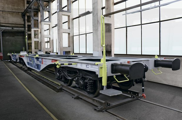 The Sggrs80 articulated container flat car is getting ready for shipping to InnoTrans 2018 (The Tikhvin production site, August 2018)